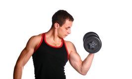 Stattlicher Kerl im schwarz-und-roten Unterhemd Stockfoto