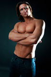Stattlicher muskulöser Kerl Stockfotografie