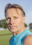 Stattlicher Sportler mit Stubble Lizenzfreies Stockbild