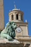 statu för arlesfrance lion Arkivfoton
