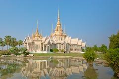 Statu tailandés del monje fotografía de archivo libre de regalías