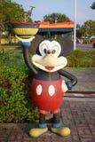 Statua του ποντικιού εμπαιγμών στοκ φωτογραφία με δικαίωμα ελεύθερης χρήσης