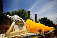 Statua adagiantesi di Buddha, Tailandia Fotografia Stock Libera da Diritti