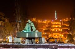 Statua Aleksander Tamanian i Kaskadowa aleja w Yerevan Obrazy Stock