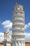 Statua aniołowie na kwadracie cudy w Pisa, Włochy obraz royalty free