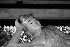 Statua antica in Candi Mendut Monastery vicino a Borobudur Java centrale, Indonesia immagini stock