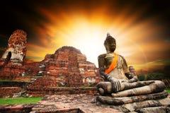 Statua antica di Buddha in cen del sito del patrimonio mondiale dell'Unesco di Ayuthaya Immagini Stock Libere da Diritti