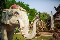 Statua antica tailandese dell'elefante, Chiangmai Immagine Stock