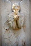 Statua antyczny anioł na cmentarzu zdjęcia royalty free