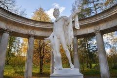 Statua Apollo belweder w Pavlovsk parku, święty Petersburg Zdjęcia Stock