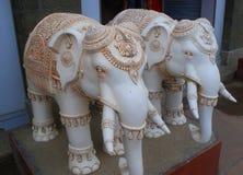 Statua biały słoń para Obrazy Royalty Free