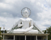 Statua bianca del buddha Fotografie Stock Libere da Diritti