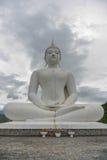 Statua bianca del buddha Fotografia Stock
