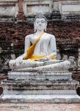 Statua bianca di Buddha Immagine Stock