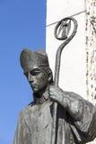 Statua bronzea della st Stanislaus sull'altare tre millenni, Cracovia, Polonia Fotografia Stock Libera da Diritti