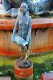 Statua bronzea in fontana, Plaza de la Virgen, Valencia, Spagna Fotografia Stock Libera da Diritti