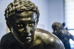 Statua bronzea nel museo archeologico nazionale di Napoli immagine stock libera da diritti