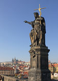 Statua, Charles Bridge, Praga Fotografia Stock