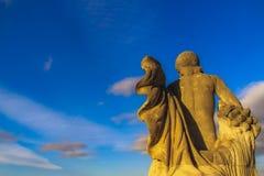 Statua che esamina il cielo fotografia stock libera da diritti