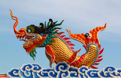 Statua cinese del drago Immagini Stock