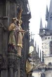 Statua dall'torretta-orologio a Praga Immagine Stock