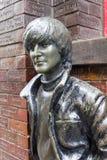 Statua davanti al pub della caverna, Liverpool, Regno Unito di John Lennon Fotografia Stock Libera da Diritti