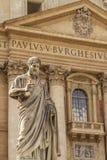 Statua davanti alla basilica di St Peter, Vaticano Fotografia Stock