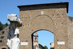 Statua de Porta Romana e um Firenze n.2 Fotografia de Stock Royalty Free