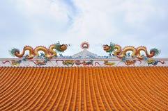 Statua dei draghi gemellati sul tetto Immagine Stock Libera da Diritti