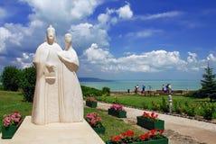 Statua dei re ungheresi sull'abbazia di Tihany Fotografie Stock Libere da Diritti