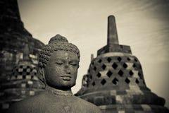 Statua del Buddha al tempiale di Borobudur, Java, Indonesia immagine stock libera da diritti