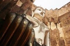 Statua del Buddha allo srichum del wat Immagini Stock