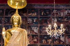Statua del buddha dell'oro Fotografia Stock
