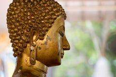 Statua del Buddha in tempiale tailandese Fotografia Stock