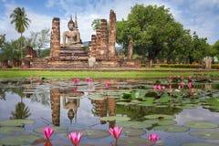 Statua del Buddha a Wat Mahathat Fotografia Stock
