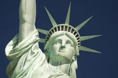 Statua del cielo blu del primo piano di libertà orizzontale Fotografia Stock Libera da Diritti