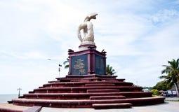 Statua del delfino Fotografie Stock Libere da Diritti