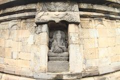Statua del dio Ganesha sul tempio indù Sambisari fotografie stock