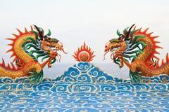 Statua del drago dei due cinesi Fotografia Stock