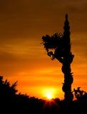 Statua del drago proiettata (colore di tono caldo) Fotografie Stock Libere da Diritti