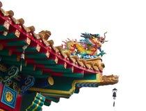 Statua del drago sul tetto del tempiale della porcellana Immagini Stock Libere da Diritti