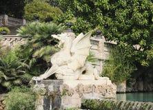 Statua del grifone a Parc de la Ciutadella a Barcellona, Catalogna, Spagna Immagini Stock
