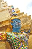 Statua del guardiano del tempio, Wat Phra Kaew, grande palazzo a Bangkok, Tailandia fotografia stock