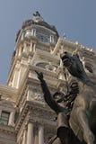 Statua del John Reynolds e città corridoio Fotografie Stock