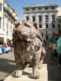Statua del leone al quadrato di San Marco immagine stock