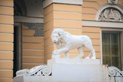 Statua del leone a St Petersburg Fotografie Stock
