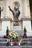 Statua del papa John Paul il secondo a Varsavia, Polonia Immagini Stock Libere da Diritti