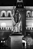 Statua del patriarca Hermogenes nel giardino di Alexander fotografia stock