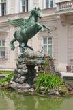 Statua del Pegasus nel palazzo di Mirabell Fotografia Stock