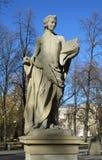 Statua del poeta nel parco Fotografie Stock Libere da Diritti